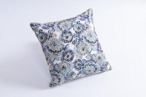 Designer cushion Floris Uno Petrol | BROCHIER e-shop