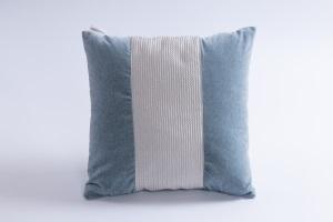 Designer cushion Fenice Secondigliano Balena